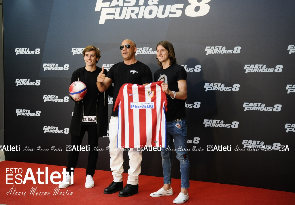 ¿Cuánto mide Vin Diesel? - Real height Filipe_luis_vin_diesel_griezmann_evento-fast-and-furious-8-villamagna-06042017